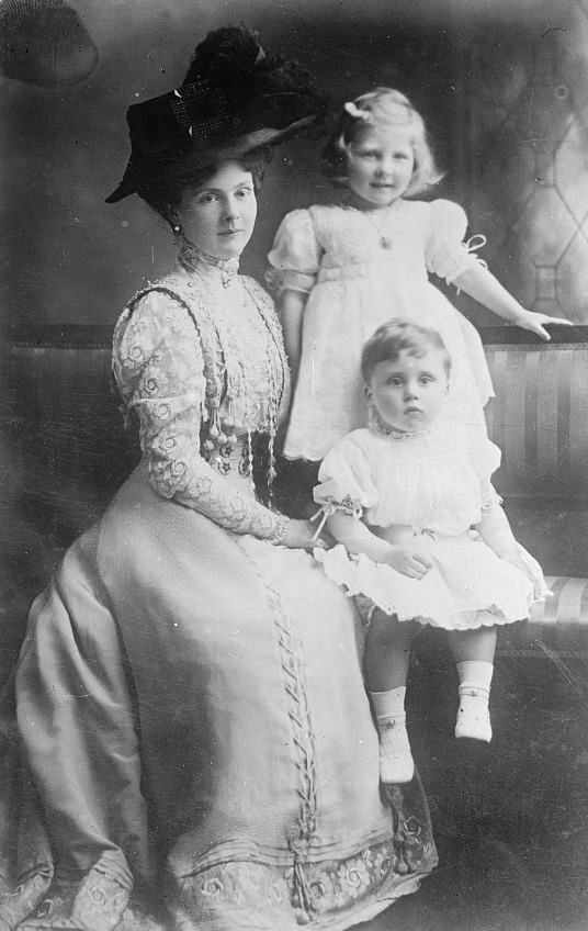 Princess Alice with her children May and Rupert